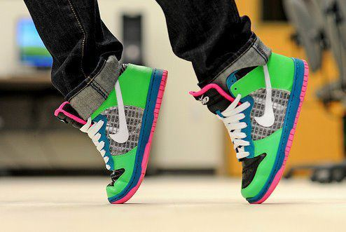 boy, dance, girl, green, live, love, lovesomeonelikeme, nike, pink, shoes, snickers
