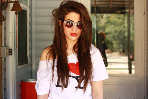 brown hair, cute, fashion, foto, girl, girly, glasses, long, love, love it, new york, ny, outfit, red, red lips, summer, sun, sunglasses, white
