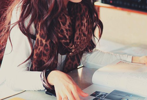 brunette, comfy, cosy, fashion, girl, hair, leopard print, leopard print scarf, reading