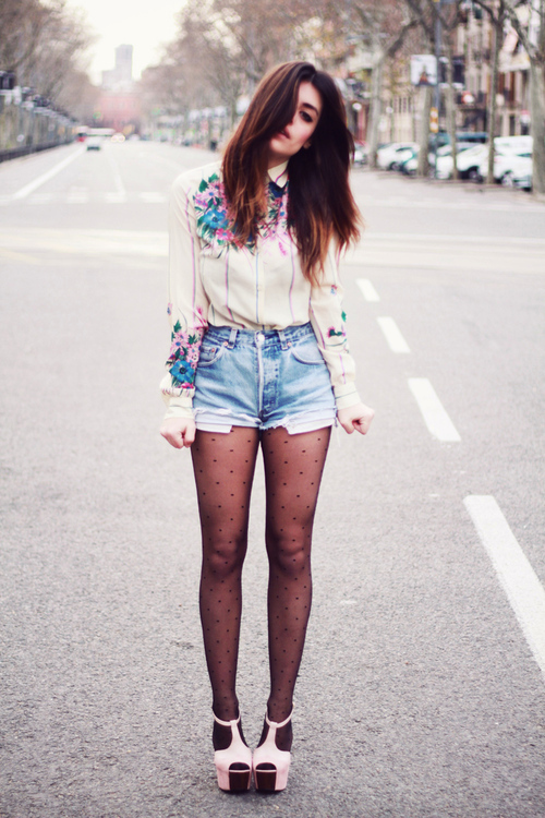 camisa, fashion, girl, moda, modelo, sapatos, shoes, shorts, street