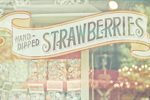candy, candy shop, cute, eat, for, happy, hungry, jumy, kids, people, pink, smiling, straberries, suger, sweat, to, white, yellow