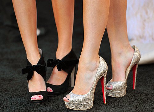 christian louboutin, kendall jenner, kylie jenner, nails, sapatos, shoes