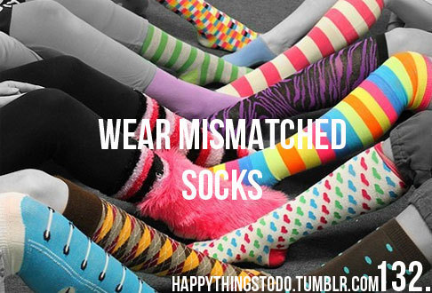 clolour, clothes, color, colors, colours, different, fail size, fun, funny, happythingstodo, mismatched, polka dot, sock, socks, stripes, tumblr, uhiuh