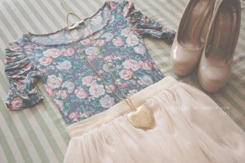 clothes, flowers, heart, hight heels, skirt