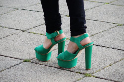 fashion, green, green heels, green shoes, heels, high, high heels, jeans, legs, shoes, skinny, style