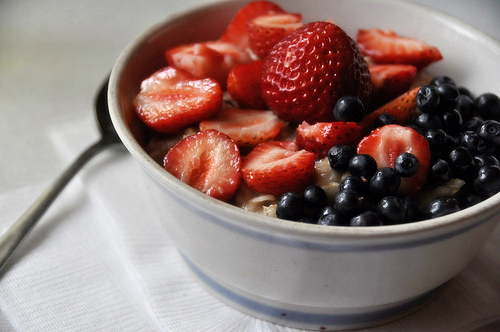 fruits, blackberries, blueberries, bowl