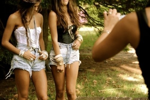 girls, hippie, indie, mode, natural, nature, shorts