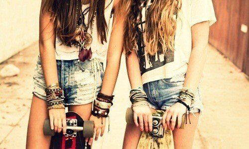 awesome, bracelets, clothes, fashion, girls, hot, long hair, necklace, photography, sexy, shorts, style, t-shirt, vintege