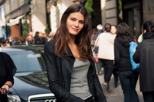 audi, beautiful, beauty, car, casual, chic, city, classy, corwded, eyes, fashion, flawless, girl, hair, hype, isabeli fontana, long hair, lovely, model, pefect, people, perfection, perfecto, pretty, smile, street, street style, t shirt, wonderful