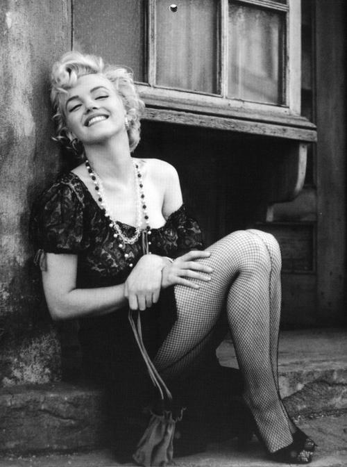 black and white, diva, fabulous, fashion, fishnet, girl, legs, marilyn monroe, queen, role model, style