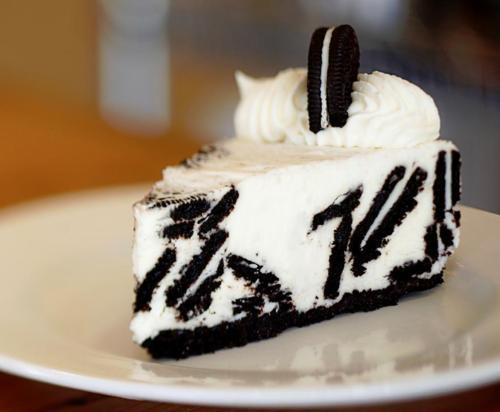 :p, amazing, black and white, cake, food, in my mouth, oreo, photography, yum