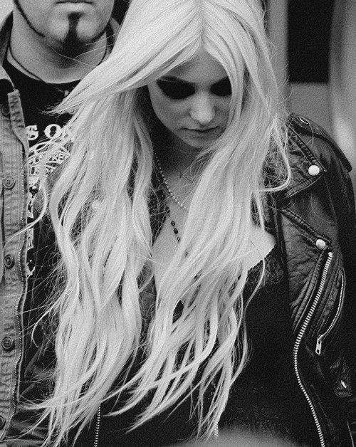 beautiful, black and white, blonde, fashion, girl, hair, long hair, music, pretty, style, taylor momsen, the pretty reckless, tpr, woman