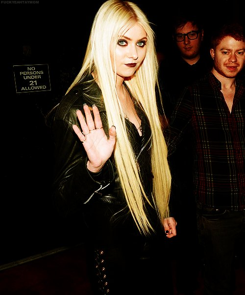 blonde, sexy, taylor momsen, the pretty reckless