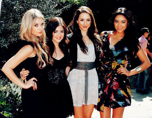 aria montgomery, ashley benson, emily field, friends
