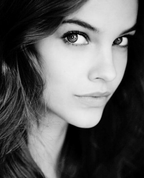 barbara-palvin-beautiful-eyes-hair-Favim