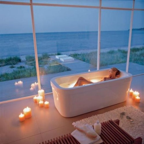 Bath bath tub bathtub candles image 536835 on for Salle de bain duravit