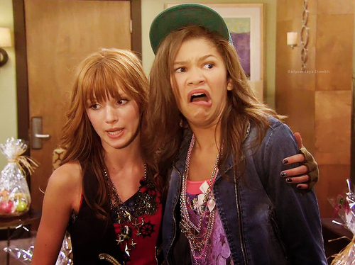bella thorne, shake it up, zendaya