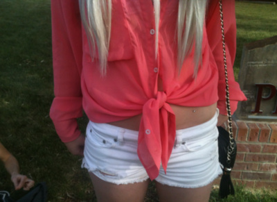 blonde, bow, hair, jeans, legs, pink, short, skinny, tan, white short
