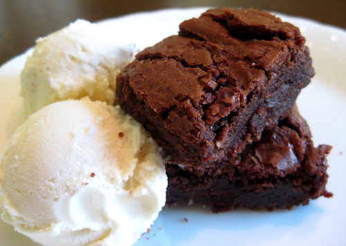 brownies, ice cream - image #532271 on Favim.com
