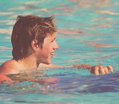 adorable, boy, cute, funny, hot, love, niall horan, one direction, pool, sexy, summer