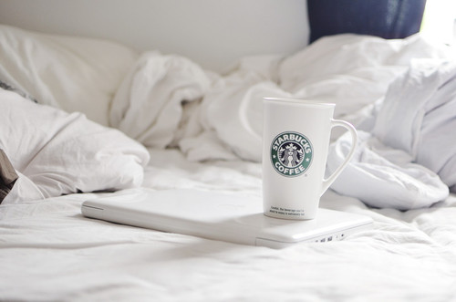 apple, beautiful, bed, bedroom, cosy girl, eyeround, fashion, fashionable, fashionista, girl style, girly, gossip, gossip girl, laptop, light, love, mac, macbook, photo, photograph, photography, pic, room, starbucks, style, summer, white
