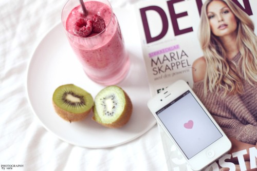 apple, berries, berry, blonde, fashion, fitspo, fruit, hair, health, healthy, heart, inspiration, inspo, iphone, kiwi, knit, love, magazine, raspberry, smoothie, tan, thinspo, trend