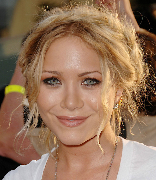 ashley olsen, beautiful, blonde, celebirty, famous, fashion, girl, mary kate olsen, olsen, olsen twin, pretty