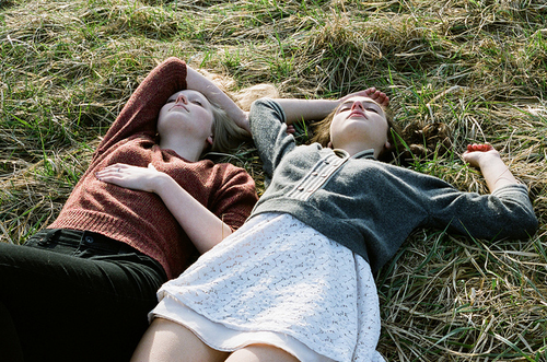 beautiful, beauty, dress, dresses, girl, girls, grass, hair, hipster, indie, sleep, sleeping, summer, tired, vintage