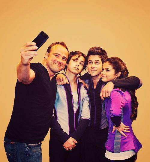 beautiful, boy, cute, david henrie, family, flawless, friends, girl, jaketaustin, pretty, selena gomez, selenagomez, wizards of waverly place