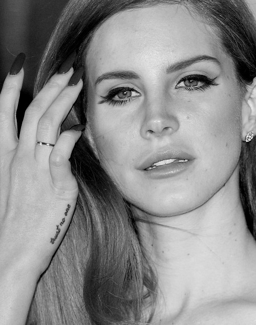 black and white, lana del rey