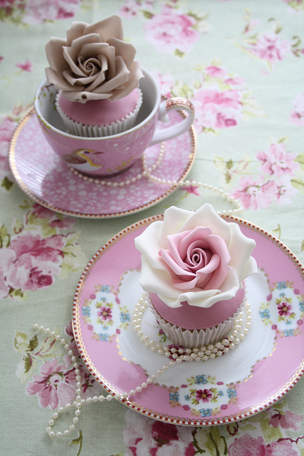 cupcakes, cute, dessert and flower