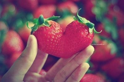 cute, fashion, girl, heart, love, season, strawberries, strawberry, summer