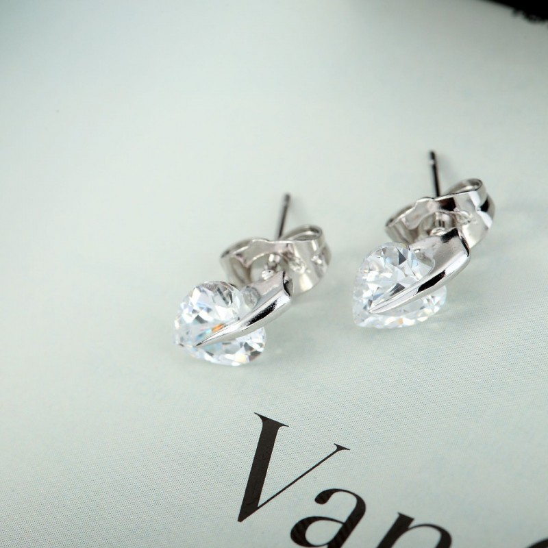 cz heart earrings, cz stud earrings, heart cubic zirconia earrings, cubic zircon stud earrings, silver heart earrings