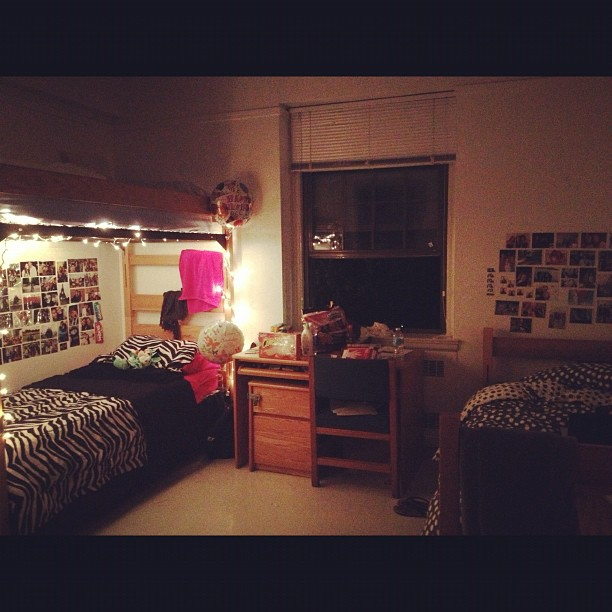 Decorate Dorm Room With Christmas Lights