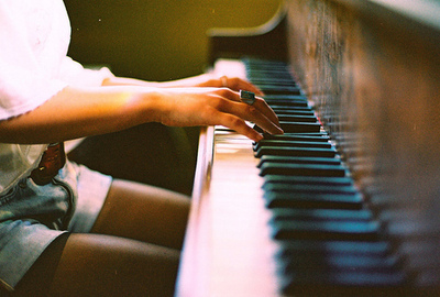 girl, hands, hipster, indie, instrument, music, piano, play, playing, song, vintage