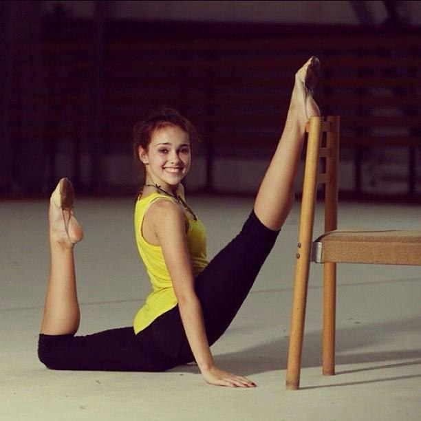 Best Flexy Gymnasts And Dancers In Extreme Poses 90