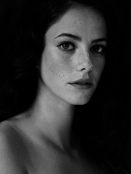 black and white, girl, kaya scodelario, photography