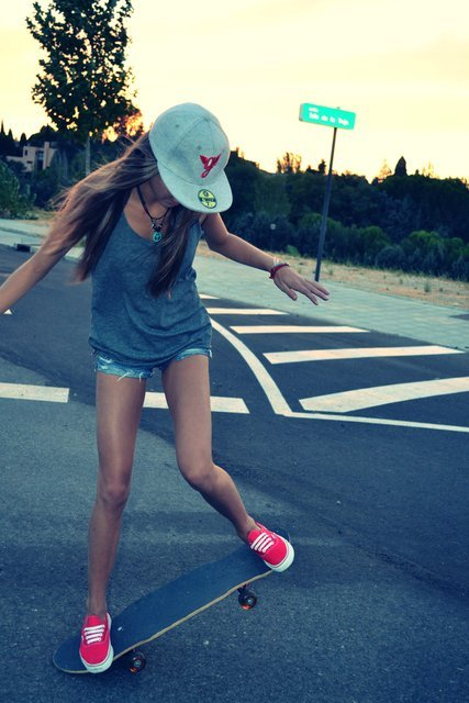 OUTFITS Longboard Girls  YouTube