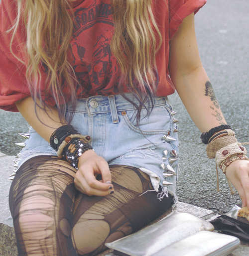 80's, 90's, amazing, beautiful, blonde, colors, cute, drugs, emo, fashion, girl, grunge, i love it, jeans jacket, leather jacket, legs, lips, lovely, model, perfect, photography, polaroid, sexy, shorts, skinny, spikes, studs, style, teen