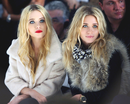 ashley olsen, beautiful, blonde, cute, family, fashion, friends, girl, girly, hair, lipgloss, lips, lipstick, make up, mary kate and ashley, mary kate and ashley olsen, mary kate olsen, model, olsen sisters, olsen twins, pink, red, sisters, style, twins