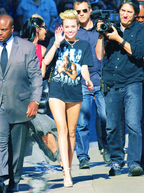 baby, beautiful, blonde, candids, hot, miley cyrus, princess, sexy legs, smile