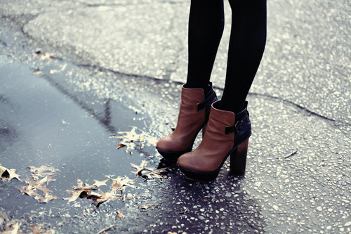 black, black and brown, black tights and blog