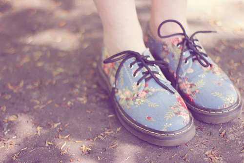 blue, cute, dr martens, fashion, floral, girly, gorgeous, pretty, shoes, style, stylish, summer, summertime, vintage