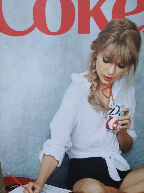 actress, blonde, coke, dance, diet coke, famous, love, sing, singer, taylor swift